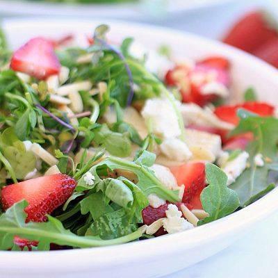 Fresh Strawberry & Chicken Salad