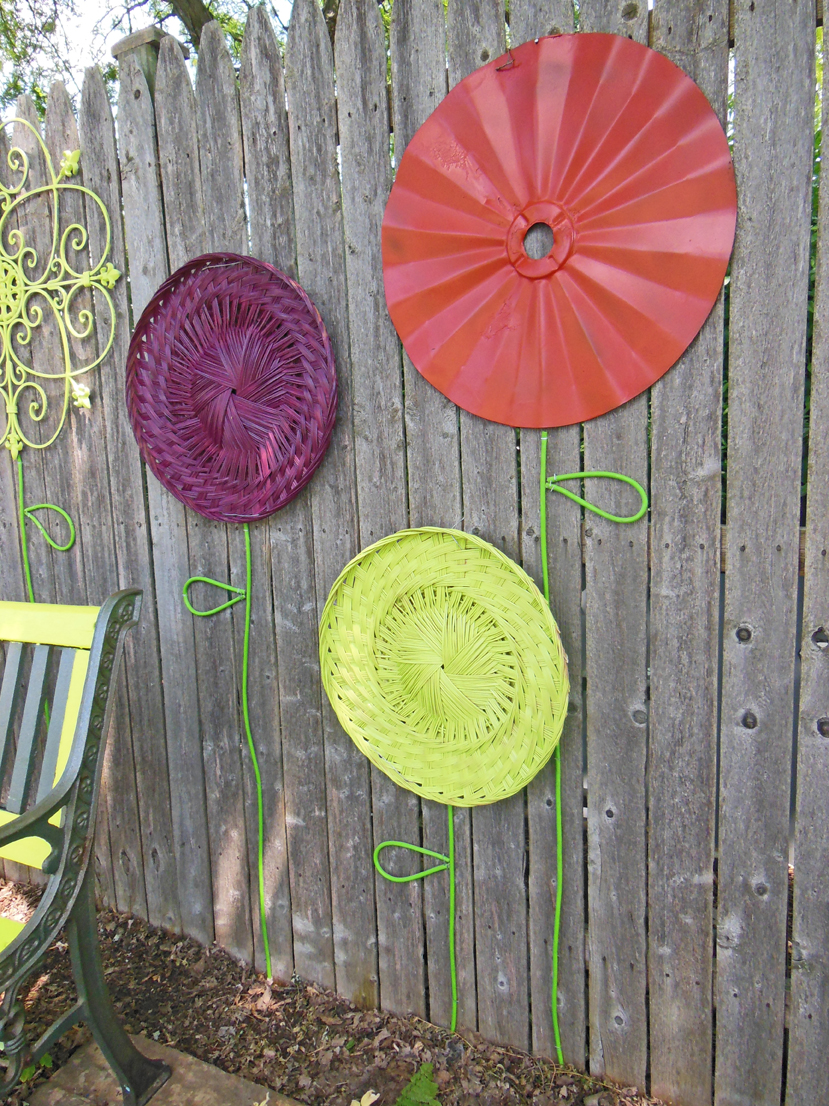 How To Make A Recycled Garden Fence Flower Folk Art Display