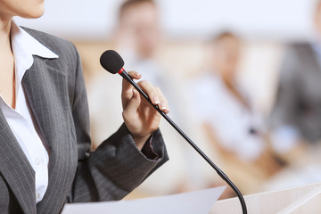 Easy Tips To Land Public Speaking Jobs