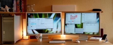 Julian Scharader's desk