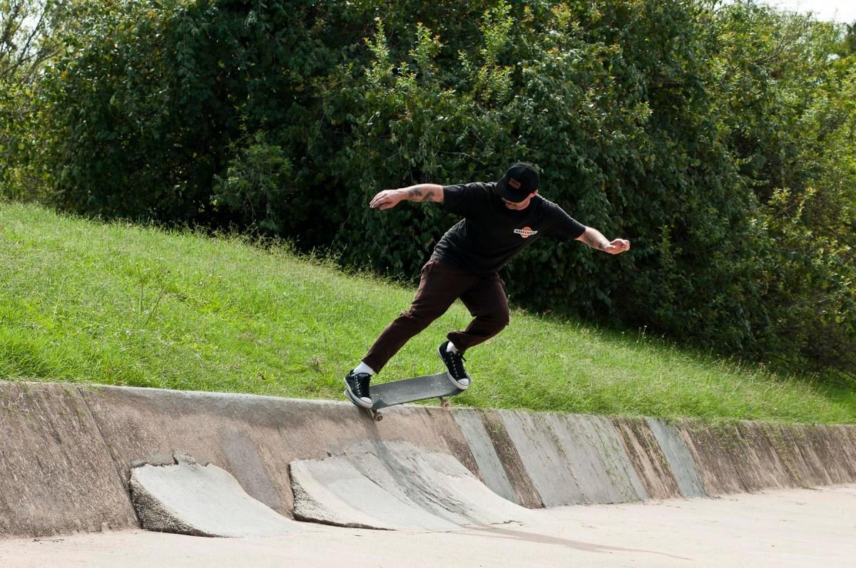 Duncan Ewington - Switch Crooked Grind Austin High Ditch