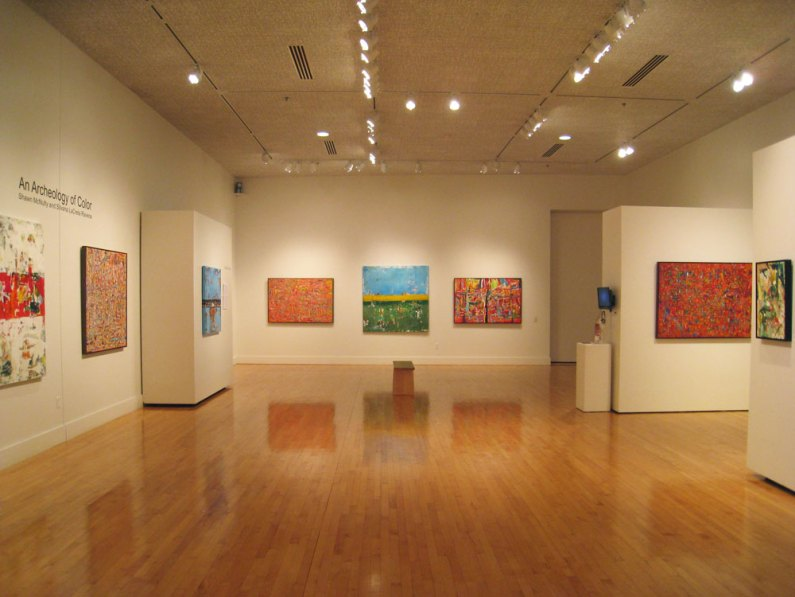 photo large fine art gallery paintings exhibition modern