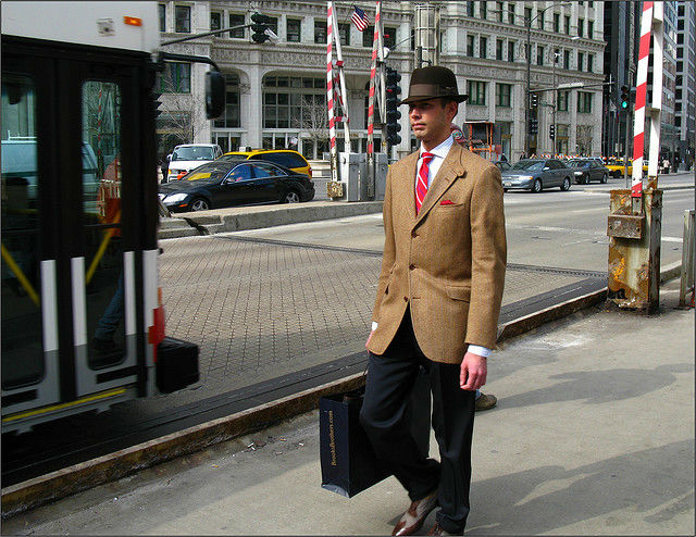 what to wear in chicago - Man with hat and suit in Chicago