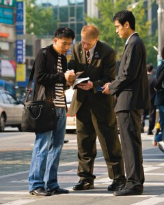mormon-missionaries3