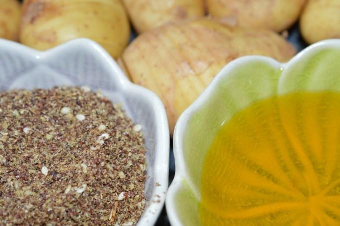 Za'atar hassleback potatoes / SHE-EATS