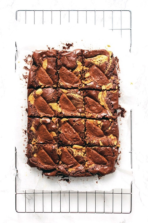 Best Brownie Recipes / Chocolate Week Round Up / Supper in the Suburbs peanut butter brownie / SHE-EATS