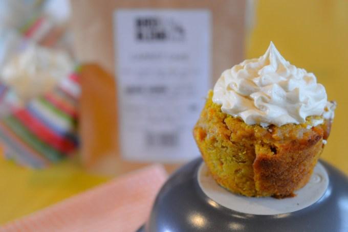 Tea infused mascarpone icing recipe / SHE-EATS