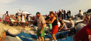 after being challenged by Mr Killa we have to show that dancing in the dinghy is possible ;-)