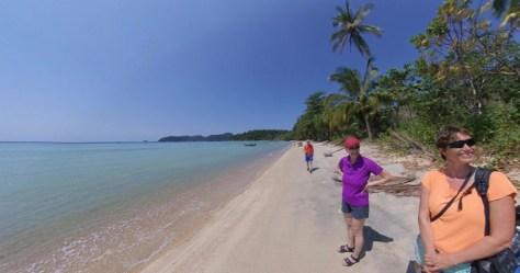 Am Strand von Koh Rawi sind wir maus alleine.
