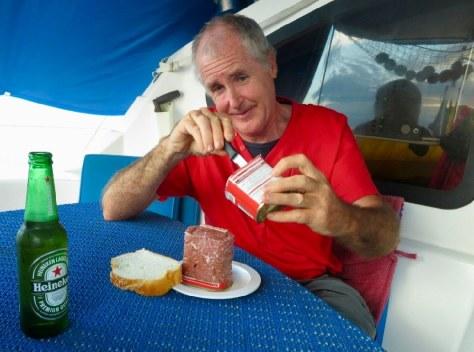 Reto is eating corned beef
