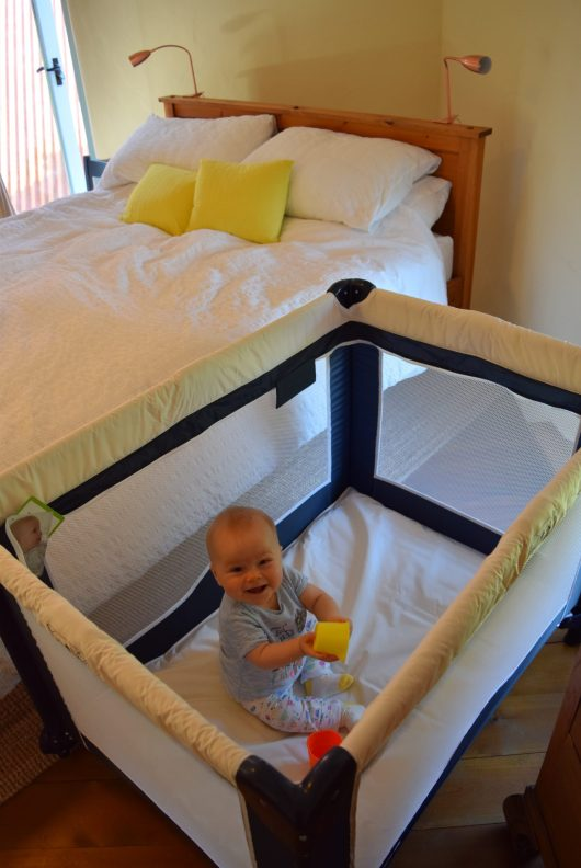 Cute Cuggl Travelcot Review | She and Hem