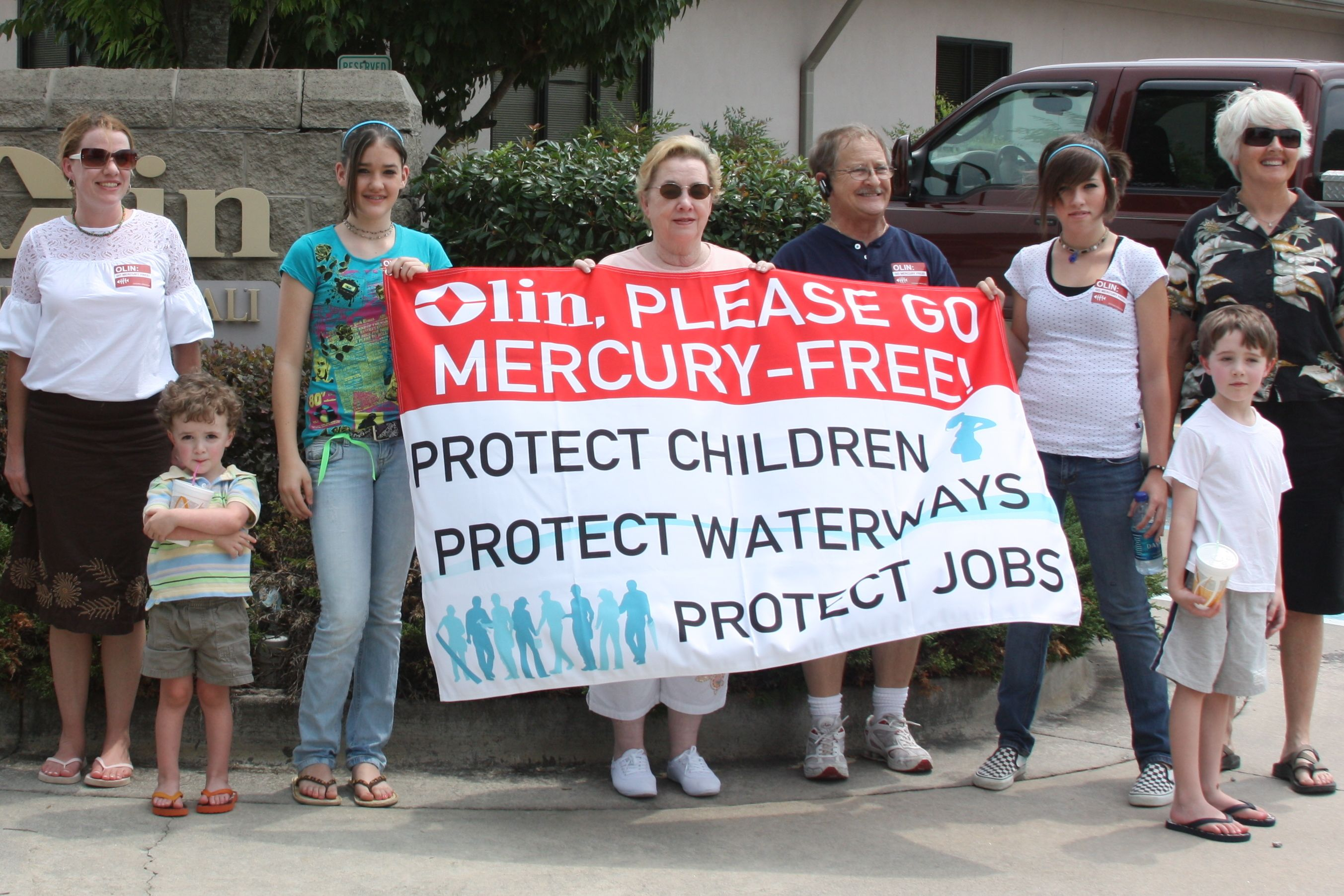 Local citizens demanding mercury-free technology from Olin