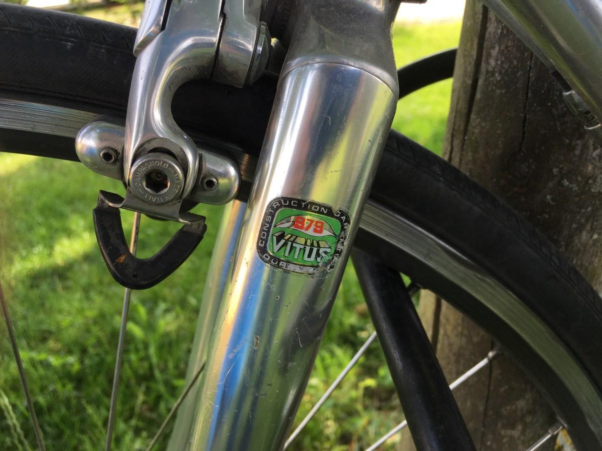Das Alu-Rennrad von Yogi Peter ist fast so alt wie er selber.