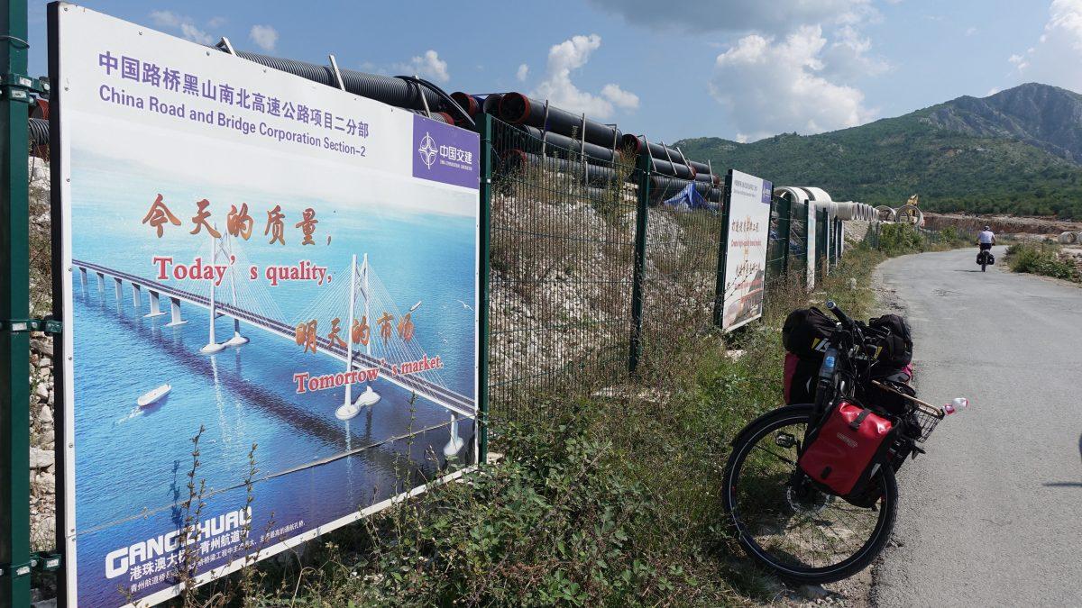 Die neue Seidenstrasse beginnt im Montenegro, wo Chinesen eine Autobahn bauen.