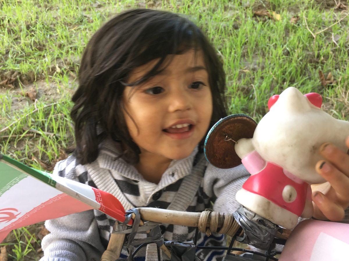 Mit der richtigen Fahrradhupe kommt man bei auch bei den Kleinen gut an. (Bild: Andrea Freiermuth)