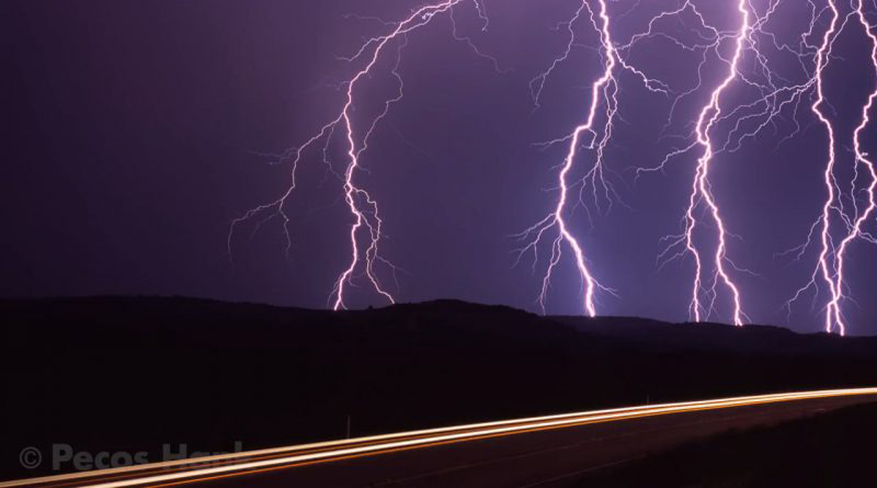 Essential Tips and Tricks for Capturing Amazing Lightning Images