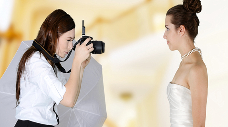 What Should a Wedding Photographer Wear?