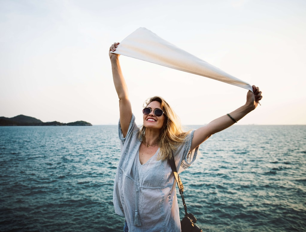 How to be a little happier right now, 10 easy steps to follow.