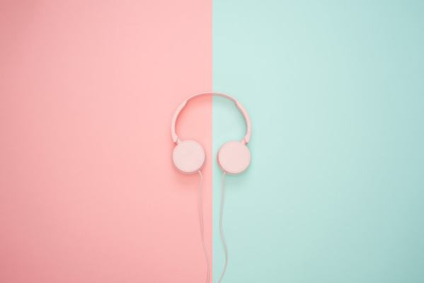 ultimate and inspiring podcasts for bloggers and entrepreneurs
