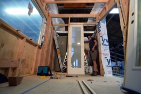 Hanging the interior frosted glass pocket door