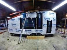Installing metal trim profiles