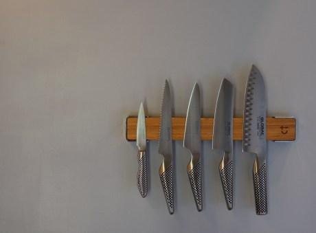 Magnetic knife organization