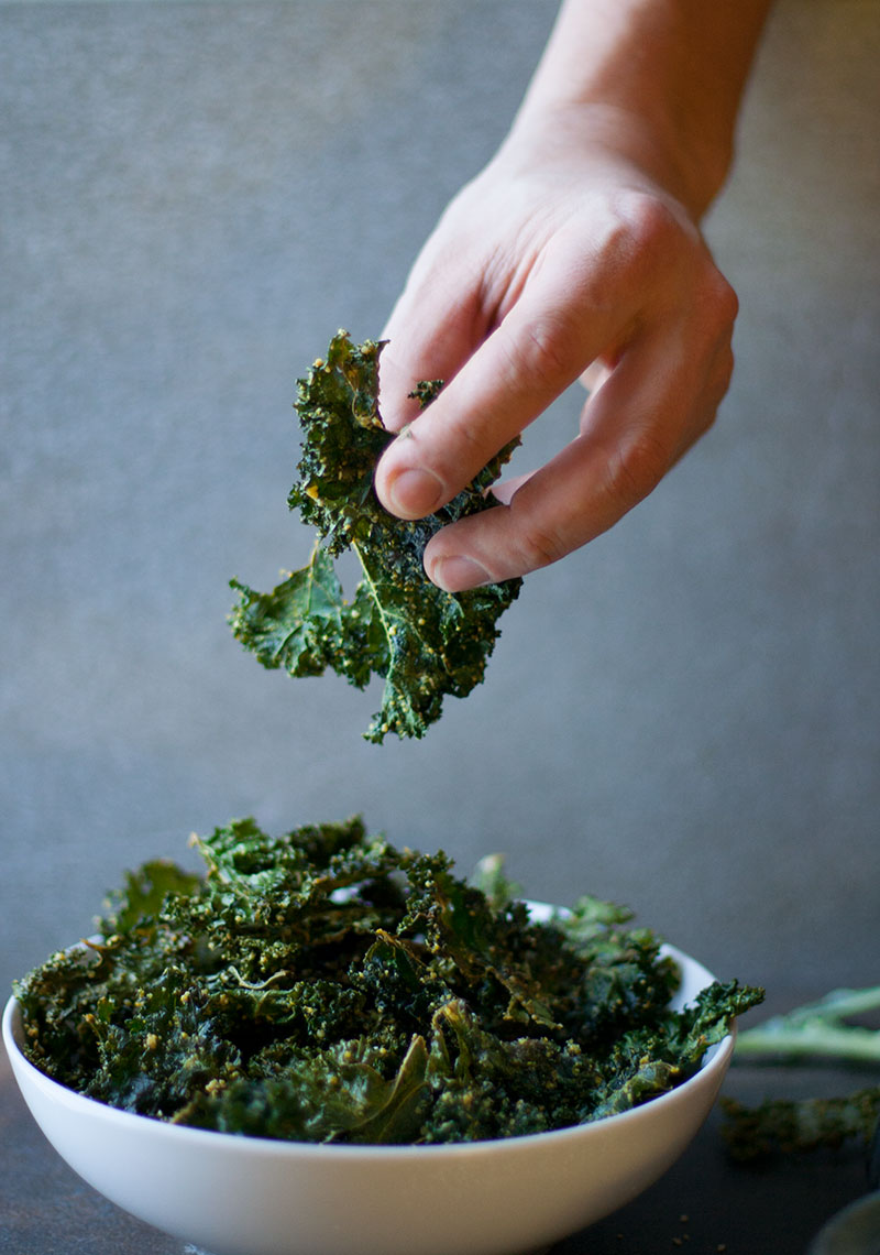 Paleo Parmesan & Cheesy Kale Chips | SheenaScott.com