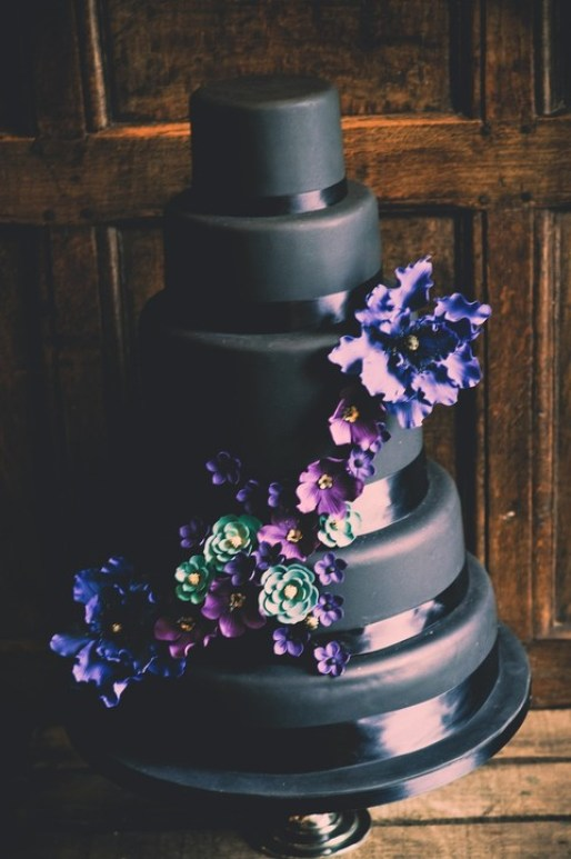 You Will Love These Dramatic Wedding Cakes - Delicious Wedding Inspiration by Sheer Ever After