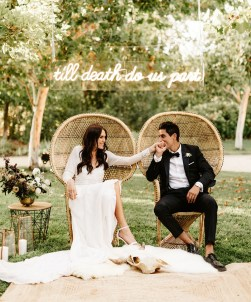 https://greenweddingshoes.com/a-black-tie-affair-modern-countryside-wedding-with-luxe-boho-accents/