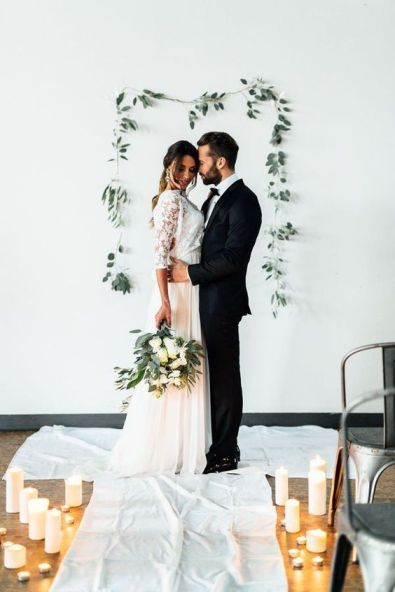 http://www.mywedding.com/wedding-ideas/colors-themes/minimalist-wedding-details-to-inspire-you/