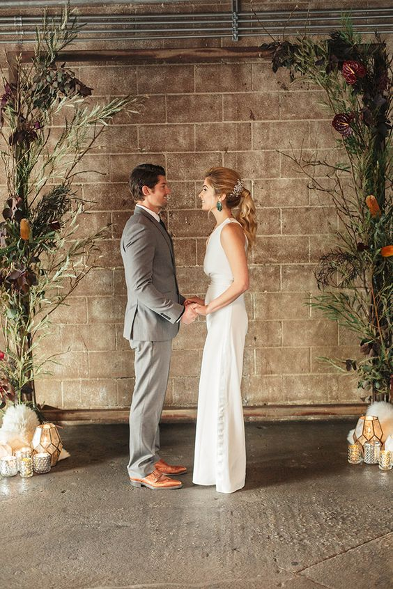 https://heyweddinglady.com/industrial-chic-warehouse-wedding-modern-edge/?utm_medium=social&utm_source=pinterest&utm_campaign=tailwind_tribes&utm_content=tribes&utm_term=289553856_7900790_245759