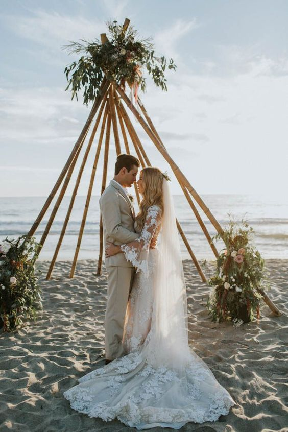 http://junebugweddings.com/wedding-blog/breezy-cream-and-beige-beach-wedding-at-levyland-estates/