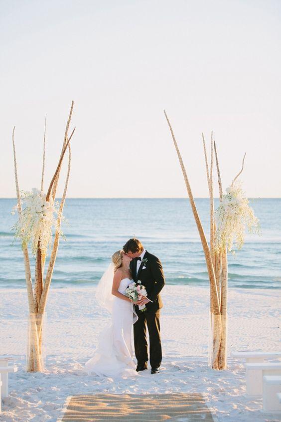 https://www.tidewaterandtulle.com/2018/03/unique-beach-wedding-ceremony-arch-ideas.html?m=1