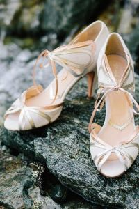 Rose gold vintage inspired court heels with open toe | 20 unique and wearable Wedding Shoes | More shoespiration at sheerbride.com #bridal #wedding #wedding shoes #heels
