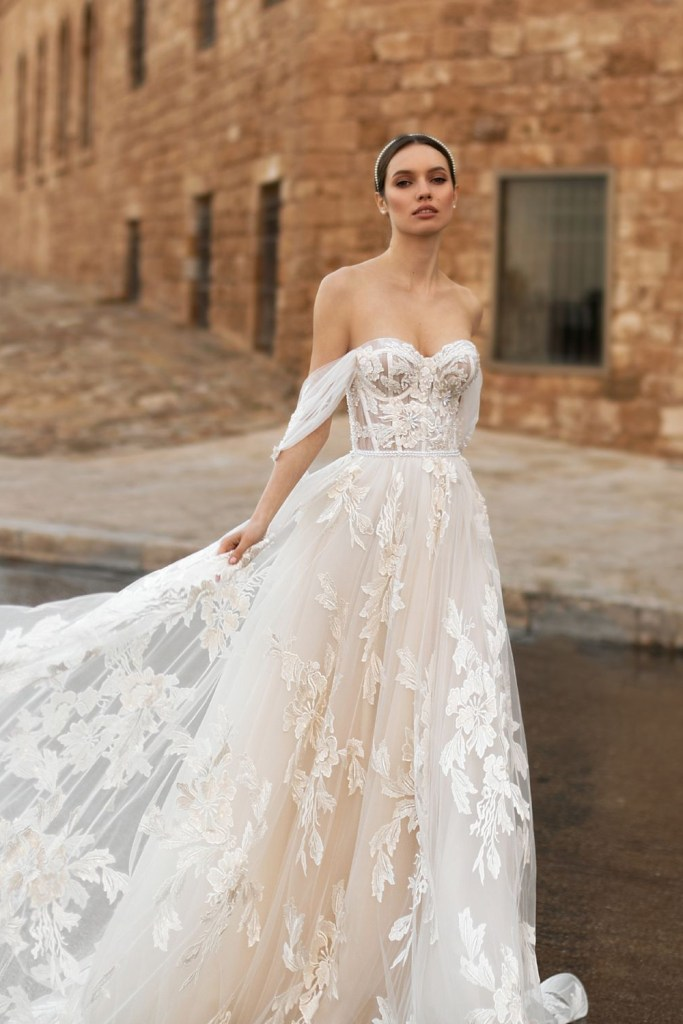 Which wedding dress silhouette is right for you? A-line wedding gown by Ida Torez. Slimming wedding dress tips at Sheer Ever After: online bridal magazine