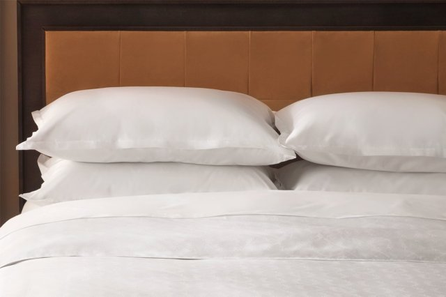 down alternative pillows found in sheraton hotel rooms