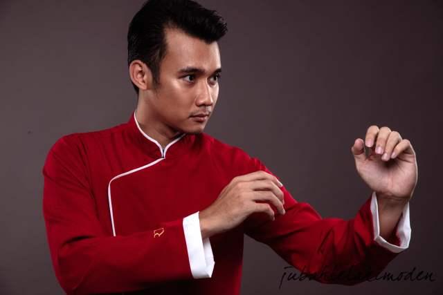 Fazren-jubah-kungfu-dari-rizq-design-jubah-lelaki-moden-dan-maskulin-sempena-hari-raya-bakal-tiba