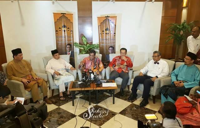 iftar-bersama-yb-menteri-kesihatan-dan-pengamal-media-2016-di-zende-seri-pacific-hotel (14)
