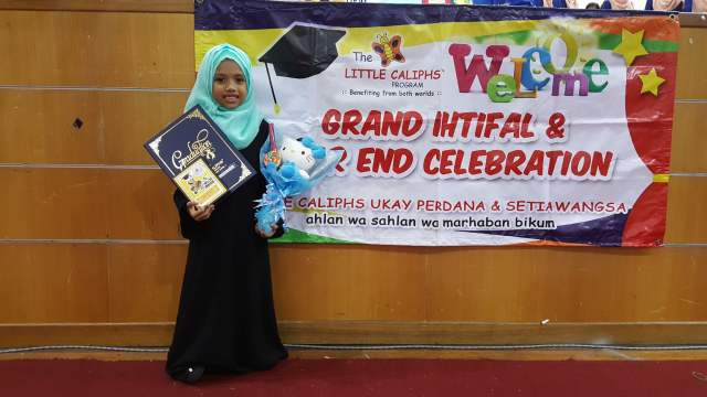 grand-ihtifal-little-caliph-2016-graduation-lil-hannah-damia-3