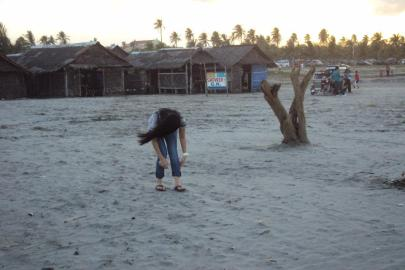 Lingayen Beach, Pilipinas as we wait....