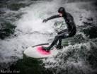 eisbach-surfer (1 von 1)