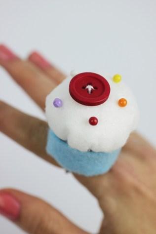 DIY cupcake pin cushion ring | Shelley Makes