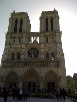 notre-dame-from-the-front
