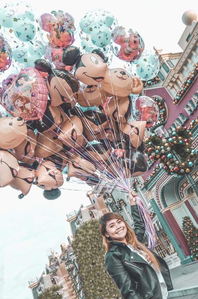 hongkong disneyland with balloons
