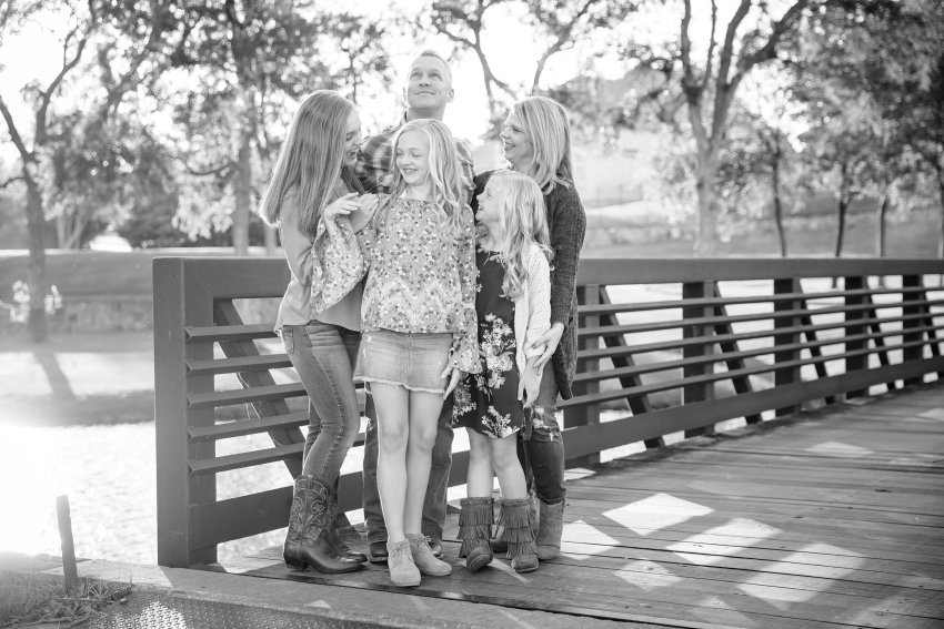 A fall extended family session for grandparent's 50th wedding anniversary | Dallas, TX