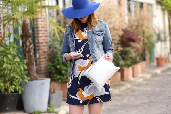 robe hm et capeline bleue, stan smith, pochette new look, look, blog mode,