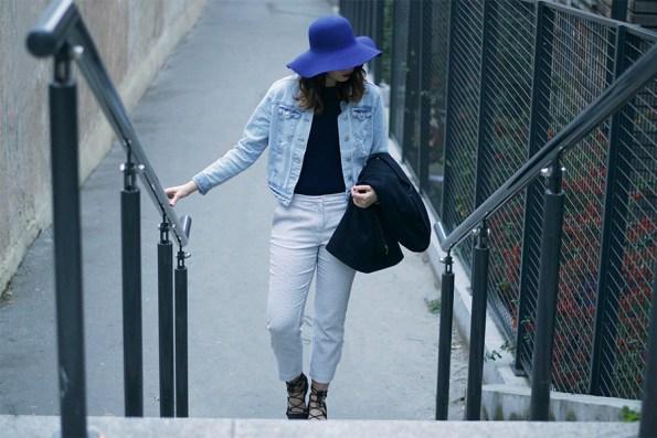 capeline, look bleu, layering, blanc et bleu, chien et loup