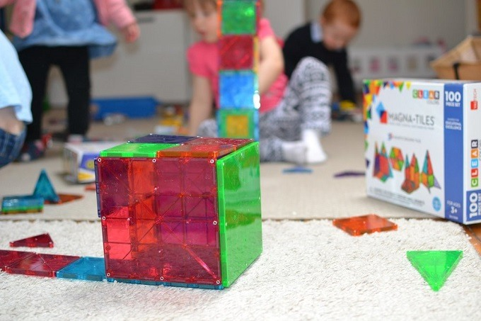 Playmags-vs-Magna-Tiles-vs-Picasso-Tiles-vs-Magformers