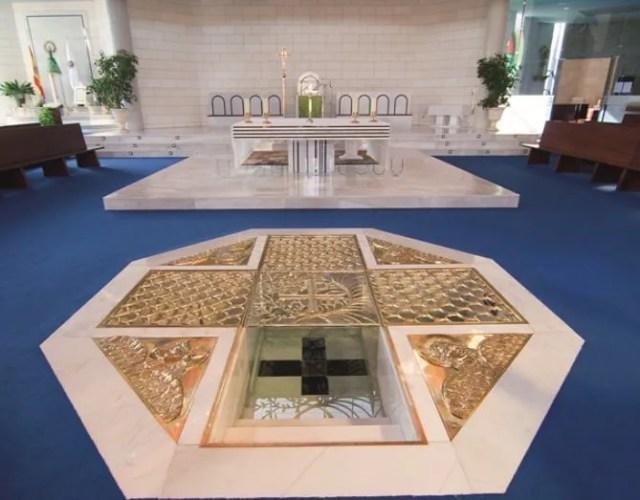 Fonte battesimale immersione