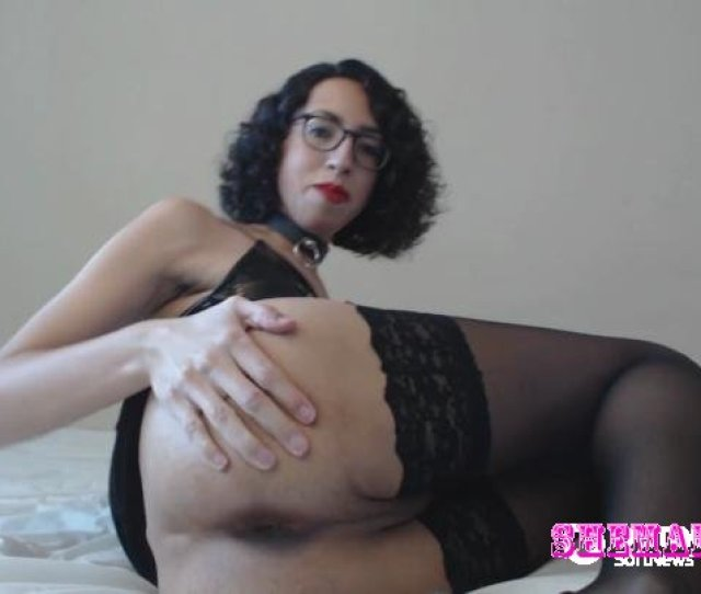 Sissy Porn Bella Hart Manyvids Anal Pleasure And Edging In Black Pvc